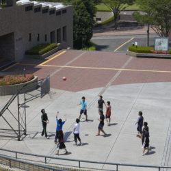 センタープラザではバスケットボールを楽しむことができます。