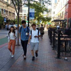 ボイシの街を歩いています(スポーツ健康学部の留学プログラム)